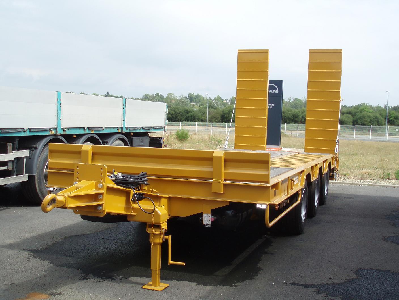Remorque porte engin 3 essieux for Porte char 60 tonnes